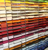 Farben-Bastel-Huber Abteilung mit Kreativ-Papier