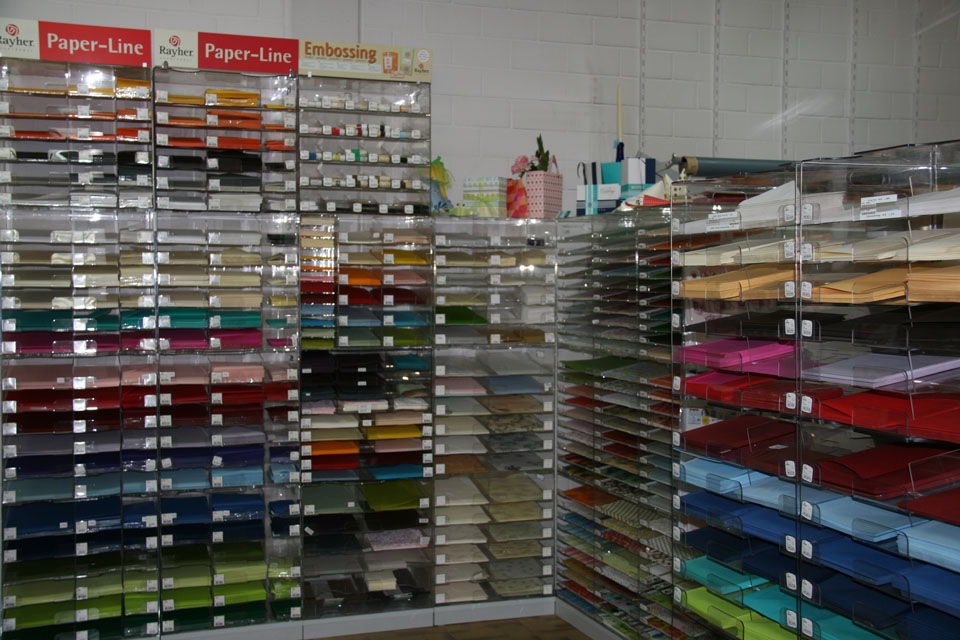 Olpp Color, Abteilung mit Bastelpapieren