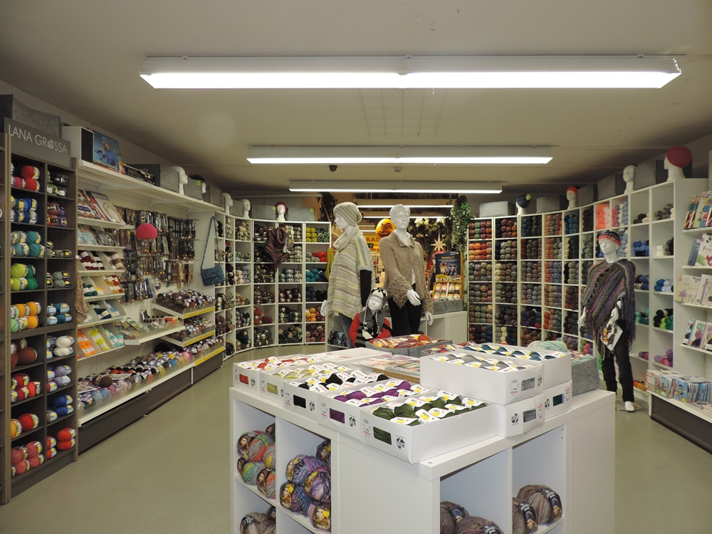 Hobby & Co Blick in die Wollabteilung