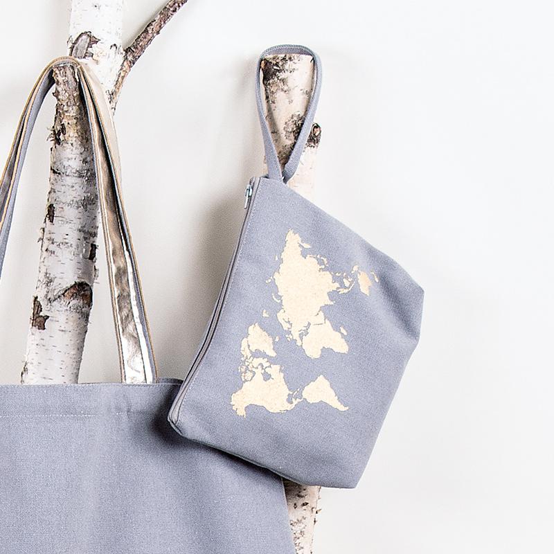 Rayher Hobby Canvas Tasche mit Weltkarte.