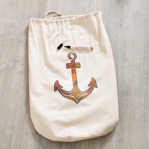 Die fertige Strandtasche mit Motiv Anker.