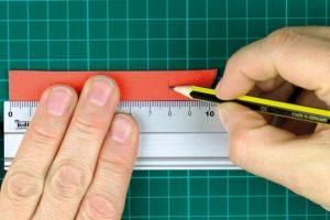 Eine Markierung wird in einen Streifen Leather-effect gesetzt.