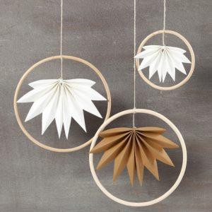 3 Blätter im Bambus-Ring.