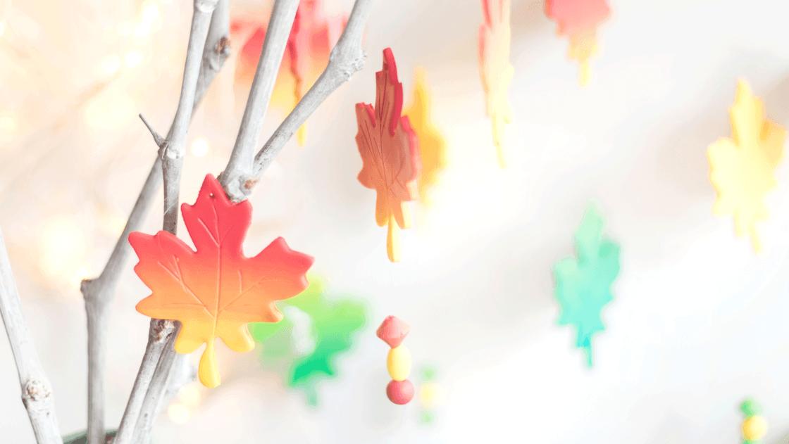 Herbstblätter aus Fimo.
