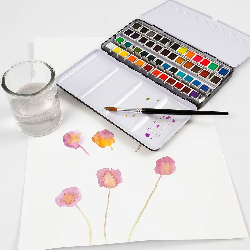 Ein Farbkasten mit Aquarellfarben