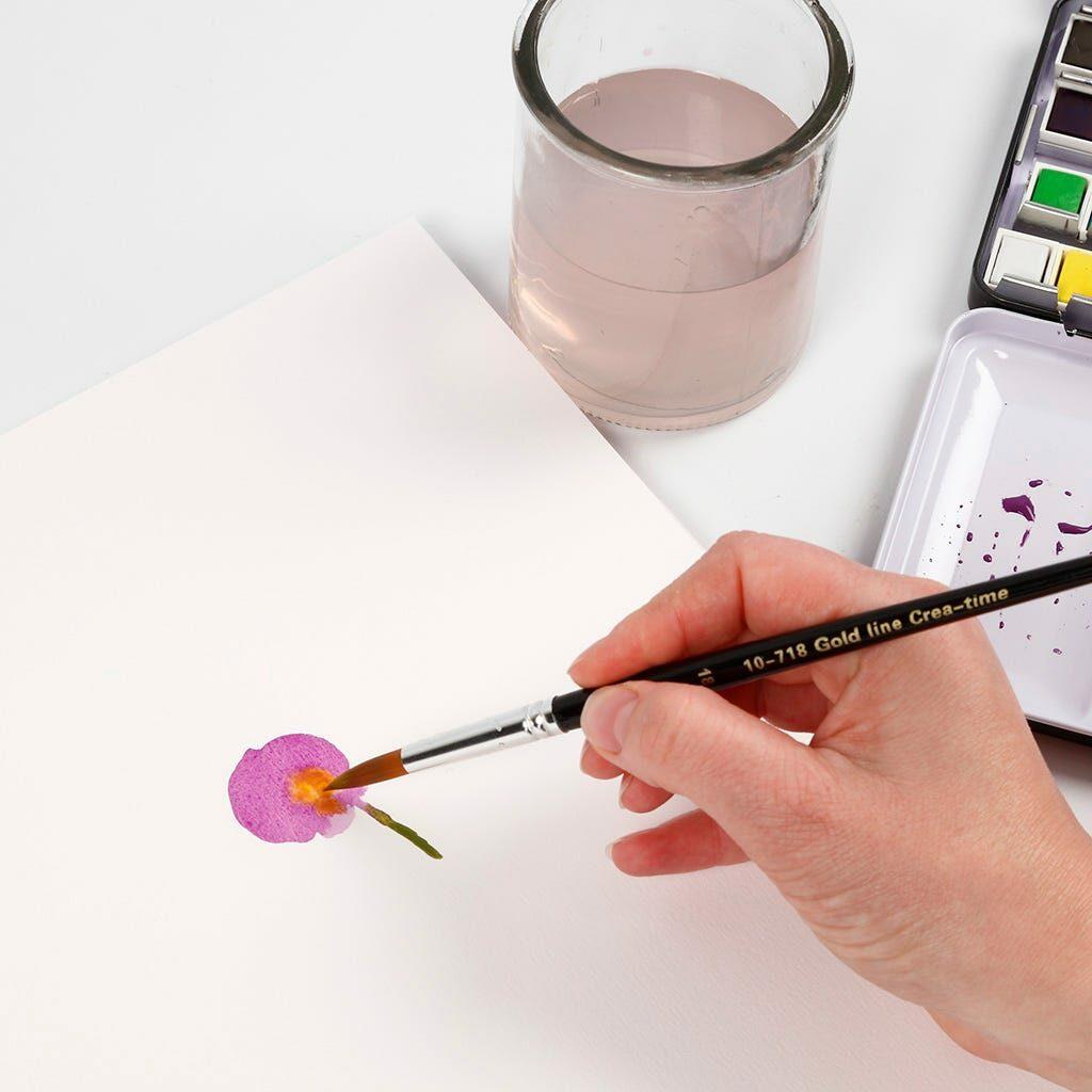 Eine lila Blume gemalt mit Wasserfarben